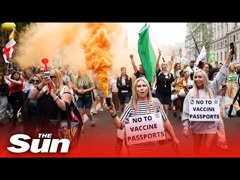 Australian media censored this entire protest of london.  Investment Watch [Video]